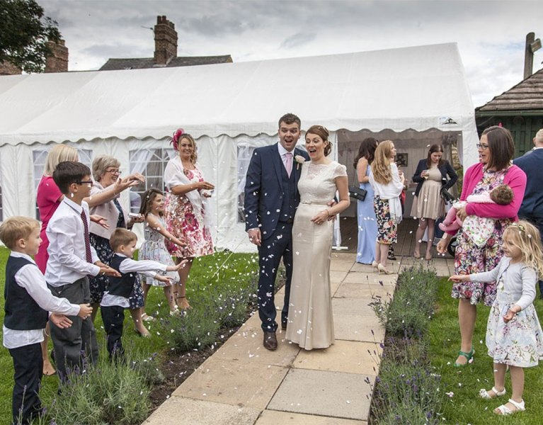 5 Tips For Planning An Outdoor Wedding