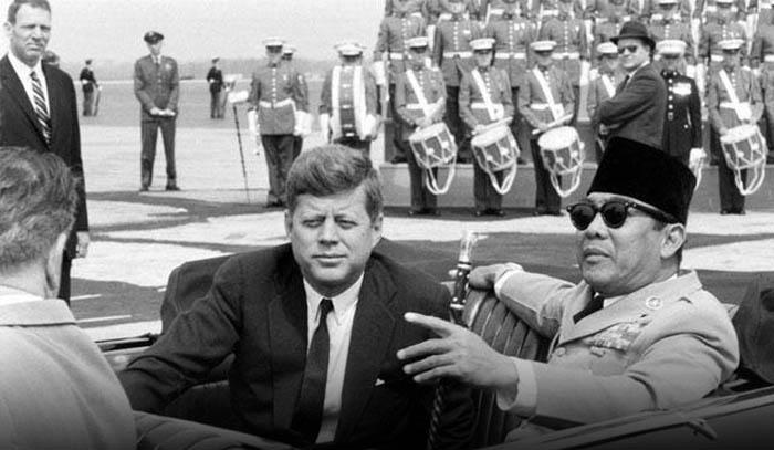 Quotes John F. Kennedy dan Artinya