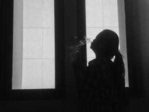 Kini Wanita Tak Malu Lagi Merokok