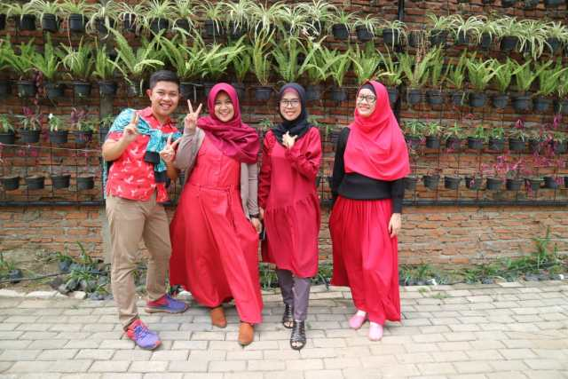 Bakoel Ussy  Warteg Kekinian di Jakarta Timur