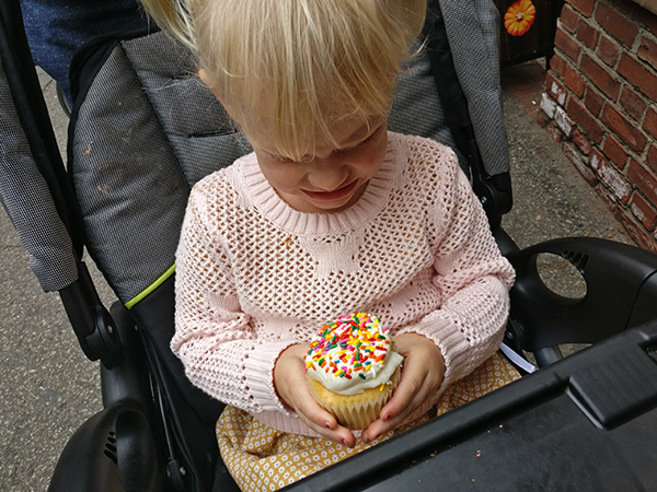Sweet Bakery, Cupcakes, Coffee, Boston, Massachusetts, Cake, Diapersonaplane, Diapers on a plane, creating family memories, family travel, traveling with kids