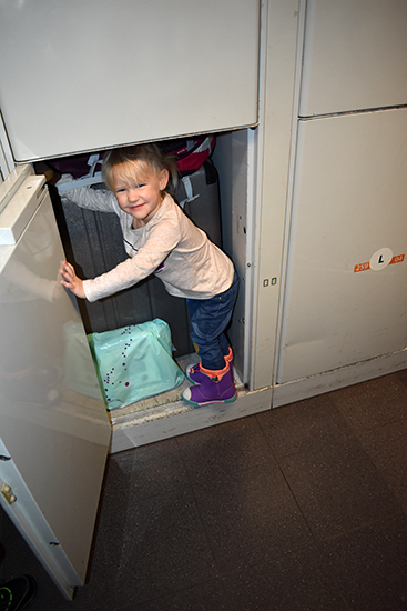AMS, Schipol, Airport, The Netherlands, Amsterdam, Baggage, Storage Lockers, diapersonaplane, diapers on a plane, creating family memories, family travel, traveling with kids, misadventures flying standby