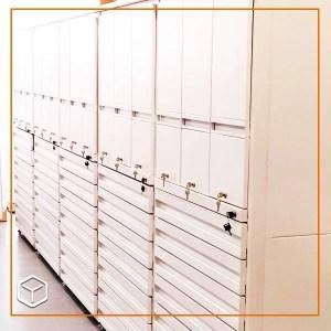 Muebles para almacenamiento de medicamentos.