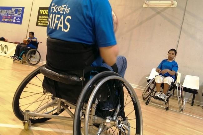 voluntaris escoleta-mifas-activitats-esportives_phixr