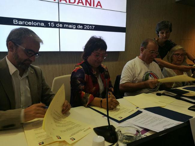 signatura acord renda garantida ciutadania