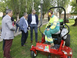 alcalde lleida visita jardiners discapacitat seu vella