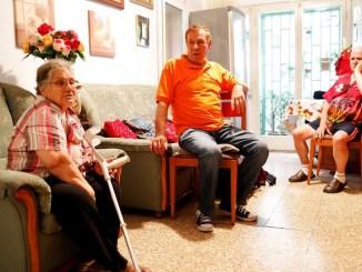 serveis atencio domiciliaria persones de