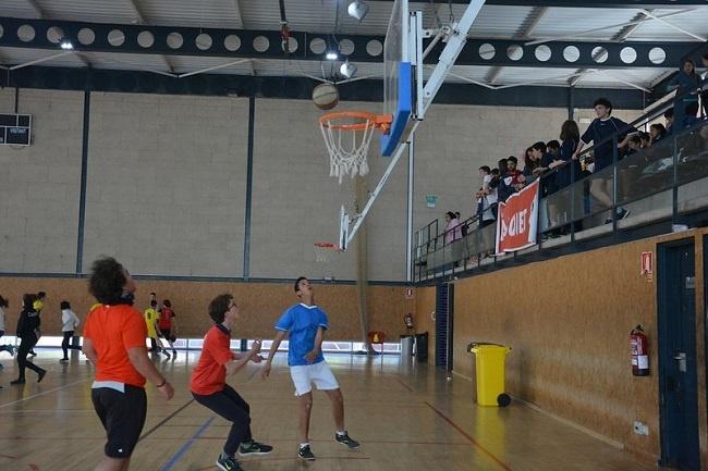alumnes discapacitat intel·lectual jornada escolar bàsquet