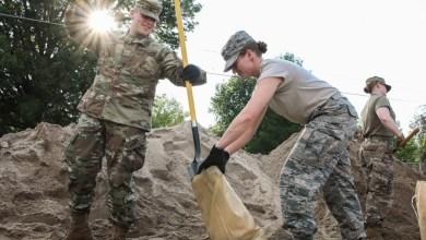 Photo of Guardia Nacional ayuda comunidades vulneradas por las inundaciones en Missouri