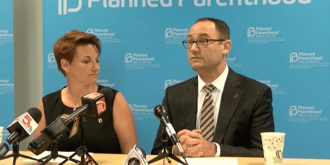 Doctores de Planned Parenthood en rueda de prensa.