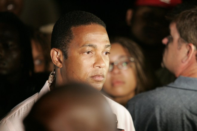 Periodista de CNN Don Lemon transmitiendo desde Ferguson ( Foto J. Klein)