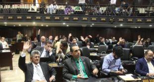 Maduro anuncia regreso del oficialismo a Congreso 3