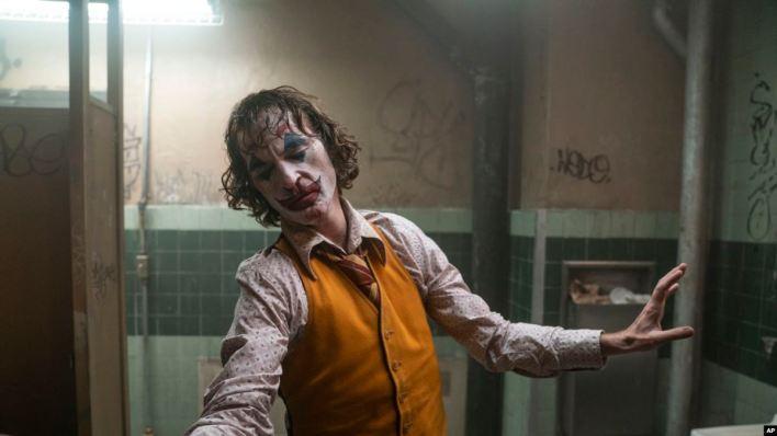 """""""Joker"""" no ahuyenta audiencias y registra récord en taquilla 2"""