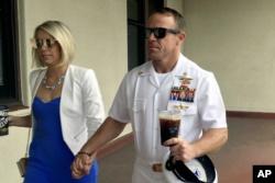 El Pentágono despide al secretario de la Marina 2