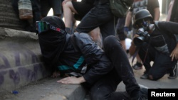 Mes de protestas en Chile dejan como saldo 20 muertos y miles de detenidos 10