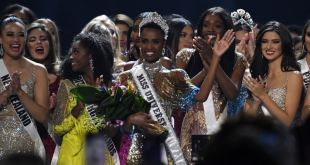 La sudafricana Zozibini Tunzi es coronada Miss Universo 2019
