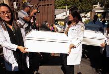 Photo of El Salvador entrega osamentas de la masacre de El Calabozo