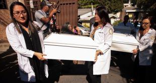 El Salvador entrega osamentas de la masacre de El Calabozo 5
