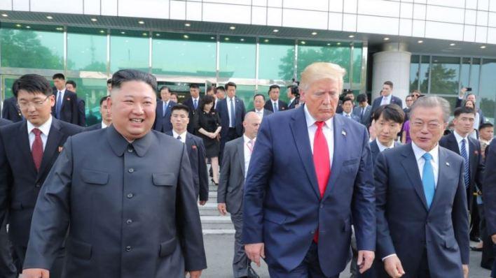 Trump envía mensaje al presidente norcoreano Kim Jong Un en su cumpleaños 2