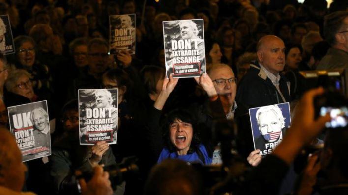 Defensa de Assange dice que intentó llamar a Hillary Clinton por cables diplomáticos revelados por WikiLeaks 2