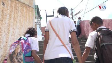 Photo of La diáspora venezolana deja a unos 930.000 menores al cuidado de familiares