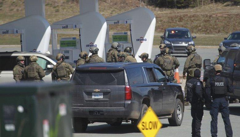 Gasolinera donde acabo la masacre en Canadá que cobró la vida de 10 personas. (Foto: AP)