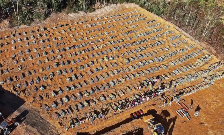 Fosa común en Manaos