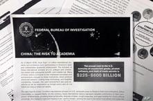La divulgación del FBI a las universidades estadounidenses sobre la amenaza del espionaje económico incluye este folleto que advierte específicamente sobre los esfuerzos de China para robar investigación académica.