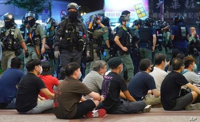 Manifestantes detenidos en Hong Kong