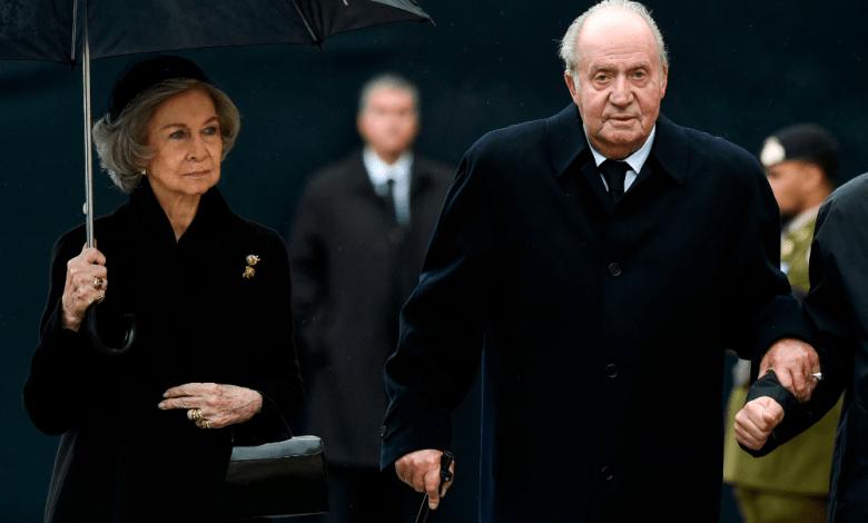 Rey emérito Juan Carlos se mudará fuera de España bajo el asedio de escándalos