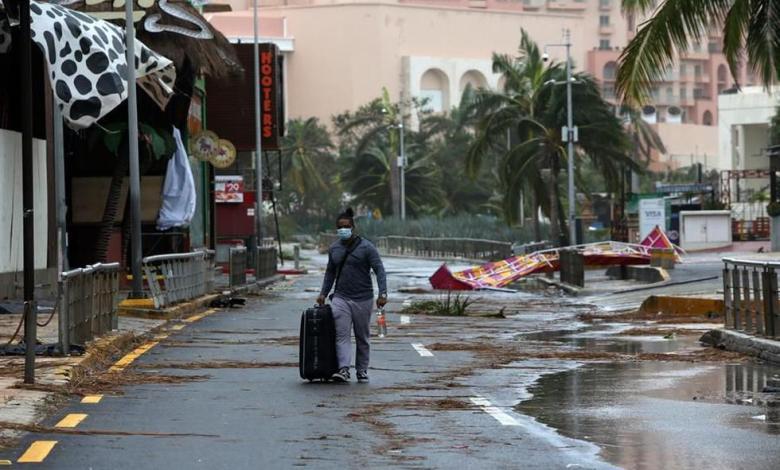 Cancún: Evacúan a turistas y habilitan refugios ante el paso del huracán Delta 1