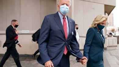 Biden cierra campaña y espera primeros resultados en Delaware 6