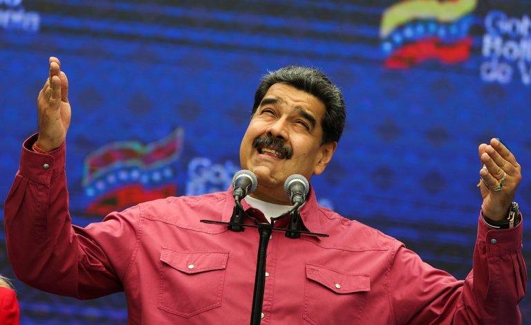 Nicolas Maduro después de votar en las eleccione calificadas como fraudulentas se presenta frente a la prensa