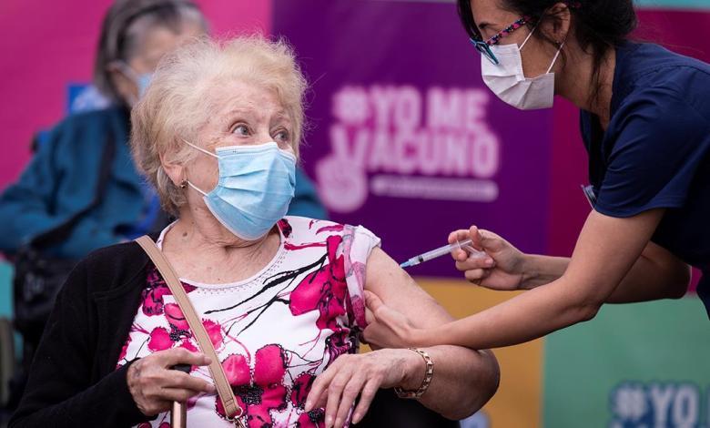 Chile asegura que no vacunará a extranjeros con visa de turista 1