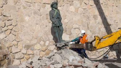 España retiró la última estatua del dictador Francisco Franco que quedaba en pie 3
