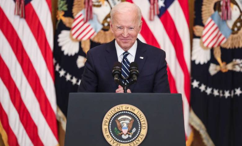 Biden se compromete a vacunar a 200 millones de estadounidenses antes de mayo 1