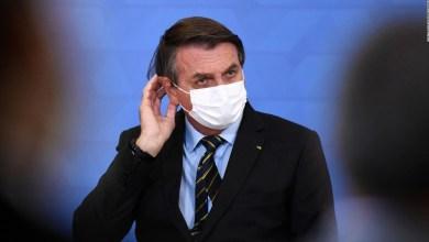 Bolsonaro se niega a confinar a Brasil pese al colapso sanitario 3