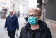 Estadounidenses vacunados ya no tienen que usar mascarilla en espacios interiores 12