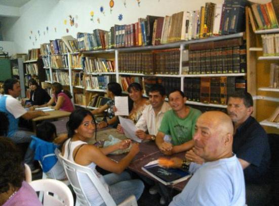 pag.7_ La biblioteca a pleno
