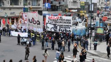 Photo of Ayer: Una mañana complicada ; La CCC y la CTA el MST y otras organizaciones sociales y políticas ocacionaro100 paros y cortes, incluyendo La Matanza
