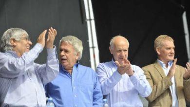 Photo of Acto por el día del trabajador: Sorpresivo acto de Hugo Moyano con De la Sota.