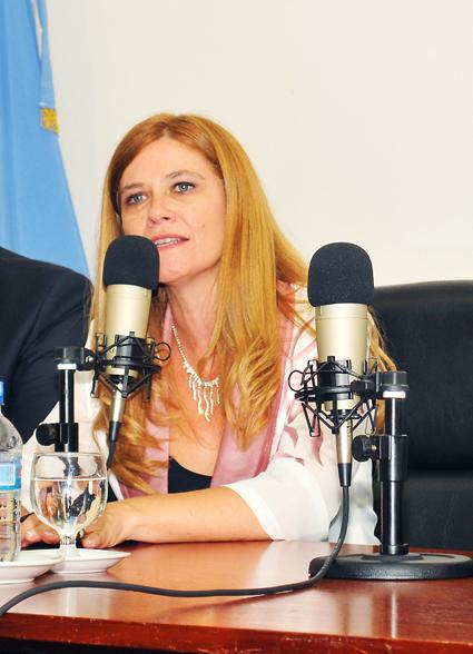 IZQUIERDOVeronica Magario (1)