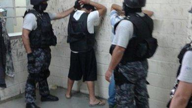 """Photo of Luego de cinco horas, los líderes de """"Los Monos"""" entraron al penal de Ezeiza"""