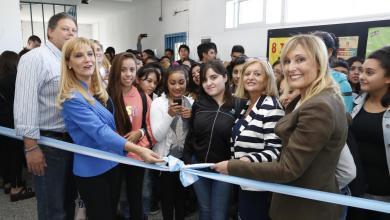 Photo of Isidro Casanova/San Justo:La intendenta encabezó el inicio de clases en escuelas secundarias
