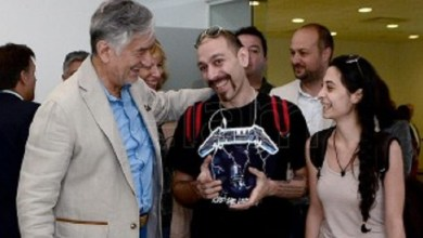 Photo of San Luis: El gobernador recibió a la primera pareja de refugiados sirios