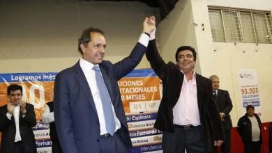 Photo of Firma de adhesiones: Cumbre entre Scioli, Espinoza e intendentes antes del acto de CFK