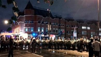 Photo of Seis policías heridos en una protesta por la muerte de un hombre