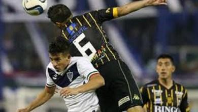 Photo of Vélez y Olimpo juegan hoy un partido clave