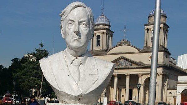 """Zappulla: """"Vamos a sacar el busto de Kirchner porque es un monumento a la corrupción"""""""