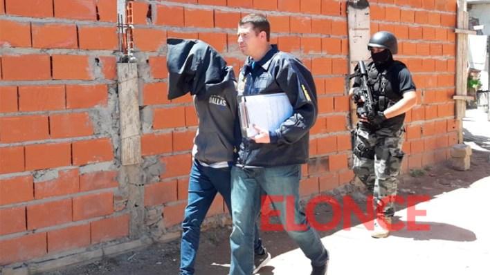 Detuvieron a dos hombres y una embarazada por el crimen de un preso